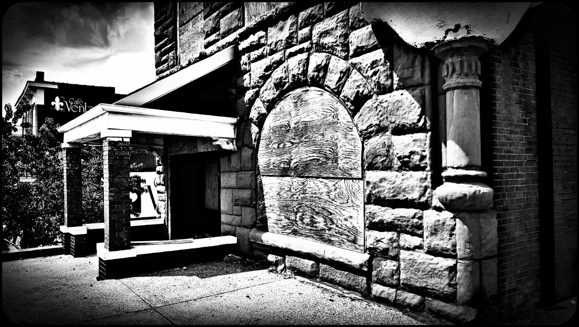 #stark #blackandwhite #oldphoto #hdr #retro #architecture #oldhouses #drama #vintage #photography #eyecapture