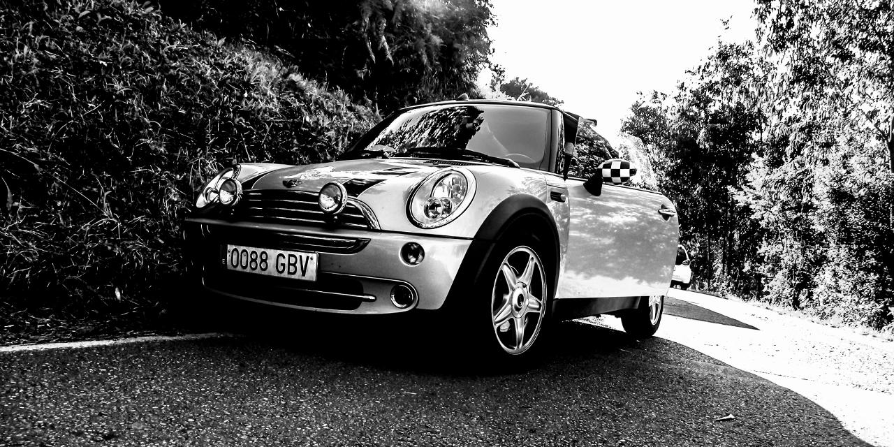 #blackandwhite #cars #photography