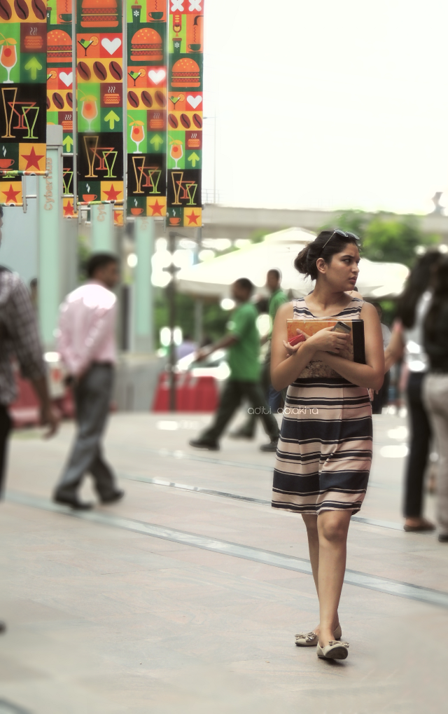 Street fashion at the #fiestalamexicana #cyberhub #fleamarket #india #photography #streetphotography #people #girl