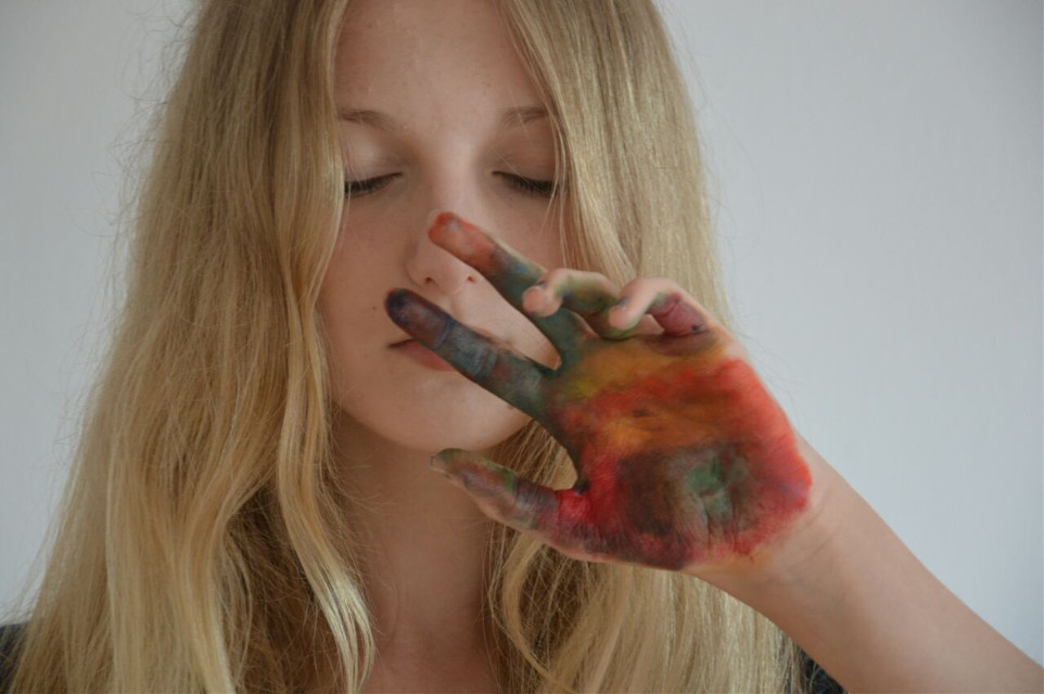 #colorful #colorsplash #colors #me #oldphoto #girl #me #hand